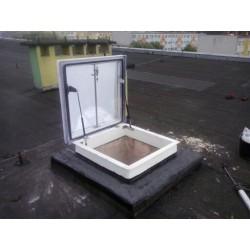 Wyłazy dachowe Pokrycie SRO gr.16mm Podstawa stal ocynk skośna H 35cm